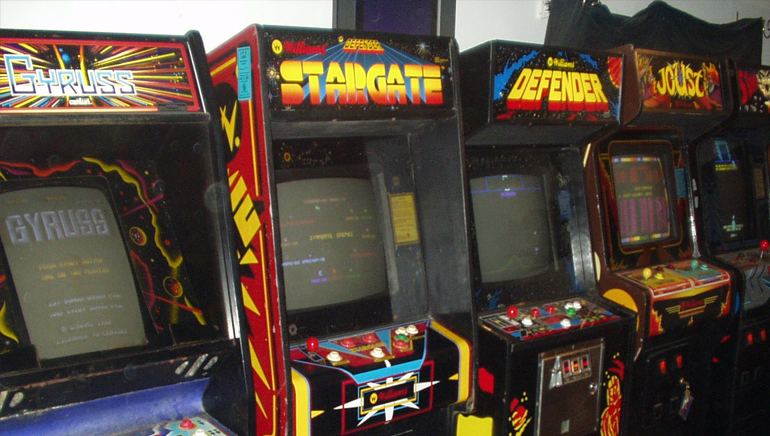 Enjoy Old School Arcade Action